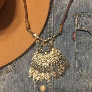 Urban Outfitters Multi Silver Leaf Lariat Necklace